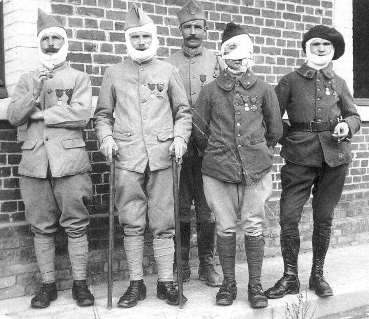 Les gueules cass es de 1914 1918 david brocourt - La chambre des officiers contexte historique ...